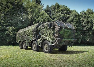 T815-7T3RC1_8x8_PRAM_carrier_lifting_platform_01