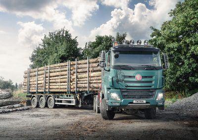 TATRA PHOENIX Euro6_6x6_forestry_semi-trailer_01